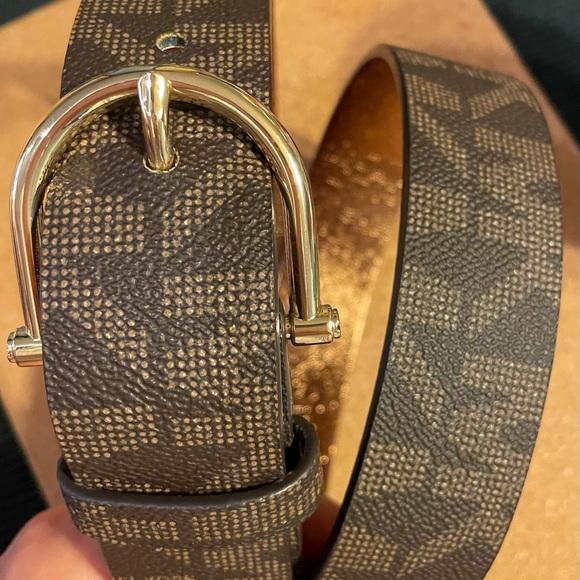 Michael Kors belt size M